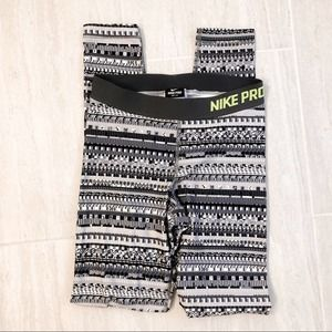 Nike Pro Workout Leggings Black & White Size Small